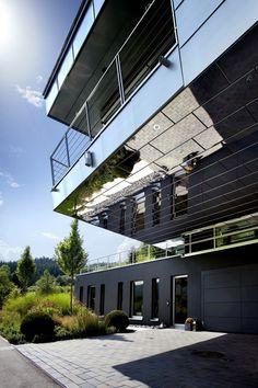 An Engineer's Incredible High-Tech Dream Home