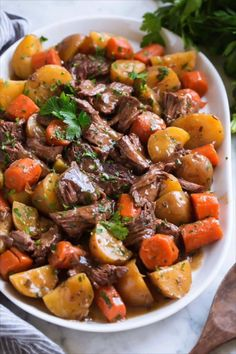 crockpot recipes ULTIMATE SLOW COOKER POT ROAST This slow cooker pot roast is the ultimate comfort food! Its the perfect thing to come home to after a long day. Always hearty and filling, amazingly tender beef and it has the best flavor! And that gravy! Pot Roast Recipes, Slow Cooker Recipes, Cooking Recipes, Slow Cooker Pot Roast, Best Crockpot Recipes, Dessert Recipes, Crockpot Pot Roast Recipe, Crockpot Healthy Recipes Clean Eating, Crock Pot Roast Beef
