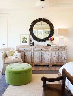 This farmhouse-style vineyard home designed by Wade Design Architects and Jennifer Robin Interiors is located in St. Helena, California. Seaside Home Decor, Cottage Style Decor, Coastal Cottage, Coastal Homes, Dining Cabinet, Inviting Home, Modern Farmhouse Style, Guest Bedrooms, Architect Design