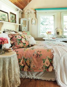 Bedroom Style Romantic Cottage Cool Shabby Chic Bedroom Decorating Ideas For . Bedroom Makeover: So 16 Easy Ideas To Change The Look . Ides Et Conseils Pour Une Dco Style Anglais Russie. Home and Family Romantic Country Bedrooms, Shabby Chic Bedrooms, Shabby Chic Cottage, Bedroom Vintage, Shabby Chic Homes, Beautiful Bedrooms, Shabby Chic Decor, Romantic Cottage, Bedroom Romantic