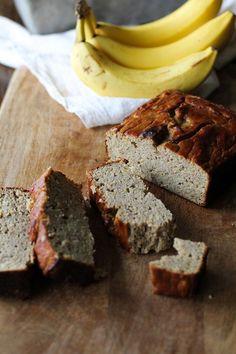 Coconut Flour Banana Bread - grain-free, naturally sweetened, dairy-free, and paleo-friendly #healthy #recipe #paleo #glutenfree