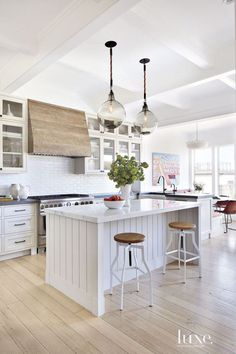 Clean white kitchen with bleached wood hood Home Interior, Interior Design Kitchen, Interior Walls, Interior Decorating, Kitchen Dining, Kitchen Decor, Kitchen Ideas, Space Kitchen, Kitchen Layouts