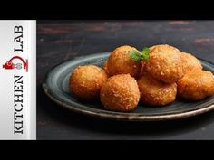 Τυροκροκέτες με 2 υλικά Επ.22 | Kitchen Lab TV - YouTube Easy Snacks, Quick Easy Meals, Tasty Dishes, Side Dishes, Greek Recipes, Finger Foods, Veggies, Appetizers, Food And Drink