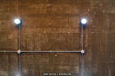 เพดานห้อง ปูนเปลือย ท่อเหล็กร้อยสายไฟ Plug In Pendant Light, Loft Room, Loft House, Next At Home, Door Handles, Architecture, Pj, Future, Home Decor
