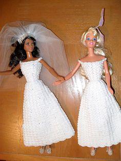 New crochet doll dress gowns barbie wedding ideas Barbie Crochet Gown, Crochet Girls Dress Pattern, Barbie Knitting Patterns, Barbie Clothes Patterns, Crochet Barbie Clothes, Gown Pattern, Doll Patterns, Crochet Dolls, Crocheting Patterns