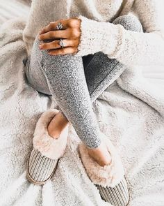 Casual Comfy Knitted Fall Outfit Two Piece lazy day outfits Lazy Day Outfits, Hipster Outfits, Casual Outfits, Cute Outfits, Fashion Outfits, Womens Fashion, Hipster Clothing, Rock Outfits, Punk Fashion