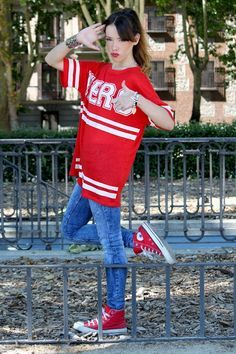 Print Casual Dress with Pocket Red Converse, Converse Hightops, Converse Chuck, White Keds, Warriors Shirt, Crop Top Hoodie, Hooded Poncho, Super White, Girls Wear