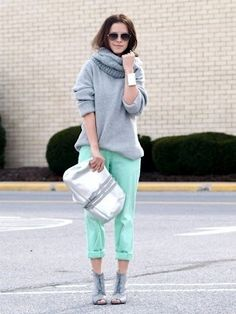 Wear your colorful summer pants with an oversized, chunky turtleneck. | 32 Perfect Fall Outfits