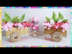 Como hacer Una Carreta en Menos de 10 Minutos y Economico - YouTube Twine Crafts, Craft Stick Crafts, Lollipop Sticks, Centerpieces, Table Decorations, Diy Cardboard, Quinceanera, Upcycle, Place Card Holders
