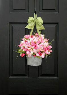 spring wreath: galvanized bucket filled with tulips