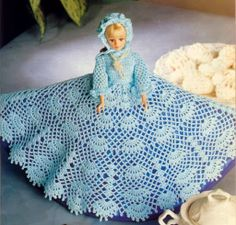 Ropa Barbie crochet - Liru labores textiles - Álbuns da web do Picasa Barbie Crochet Gown, Crochet Barbie Clothes, Barbie Gowns, Barbie Dress, Crochet Dolls, Doll Clothes, Barbie Sewing Patterns, Doll Dress Patterns, Beret Rouge