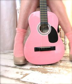 little pink guitar, wanna learn how to play guitar