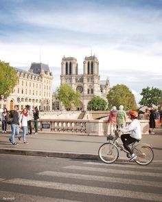 #parissansvoiture 🚴🏼♀️ . . . . . #shotoniphone #decouvrirensemble #cettesemainesurinstagram #vintique #parismaville #parisjetaime #parisweloveyou #igersparis #pariscityvision #topparisphoto #pariscartepostale #paris_focus_on #France #hello_france #Super_France #france_vacations #france_holidays #ig_france #loves_france #loves_france_ #visitelafrance #ig_europe #ig_worldclub #igworldclub #igglobalclub #awesome_photographers #igmasters #colors_of_day