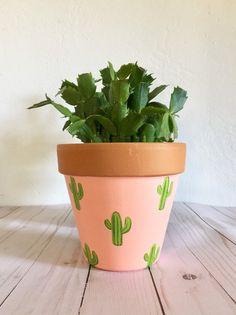Flower Pot Art, Flower Pot Design, Flower Pot Crafts, Clay Pot Crafts, Painted Plant Pots, Terracotta Plant Pots, Painted Flower Pots, Painted Pebbles, Hand Painted