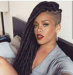 56 Dope Box Braids Hairstyles to Try - Hairstyles Trends Shaved Side Hairstyles, Faux Locs Hairstyles, Girl Hairstyles, Braids With Shaved Sides, Half Shaved Hair, Shaved Head, Cornrows Braids For Black Women, Braids For Black Hair, Shaved Hair Designs