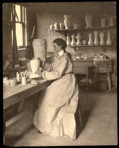 Look at Mary Chase Perry Stratton, who founded Pewabic Pottery in 1903 in Detroit, create beauty. Pottery Studio, Pottery Art, Old Pictures, Old Photos, Vintage Photographs, Vintage Photos, Pewabic Pottery, Detroit History, Ceramic Studio