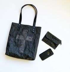 Eco Friendly Bags, Black Paper, Black Tote Bag, Kraft Paper, Leather Handle, Crosses, Biodegradable Products, Sustainable Fashion, Reusable Tote Bags