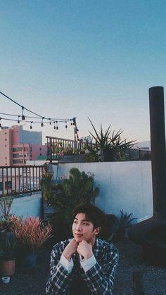 this is literally such a pretty photo Namjoon, Hoseok, Bts Taehyung, Jhope, Seokjin, Foto Bts, Bts Photo, Mixtape, Bts Boys