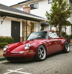 - sitting pretty in Red 😍 // via @ izzacbrookphotos - Porsche - Trend Frauen Fahrrad Porsche 911 Cabriolet, Porsche Carrera, Porsche 911 Targa, Porche 911, Porsche Autos, Porsche Sports Car, Porsche Cars, Porsche Classic, Classic Cars