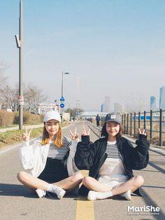Korean Fashion Similar Look Pin by Aki Warinda Ulzzang Korean Girl, Ulzzang Couple, Bff Goals, Korean Best Friends, Best Friend Outfits, Korean Fashion Trends, Cute Korean, Korean Outfits, Asian Girl