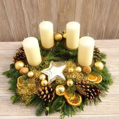 This naturally decorated Advent wreath of fresh fir, juniper and boxwood is bound by hand and brings natural, Christmas t . Christmas Advent Wreath, Christmas Table Decorations, Christmas Candles, Winter Christmas, Christmas Time, Christmas Crafts, Holiday Decor, Advent Wreaths, Xmas