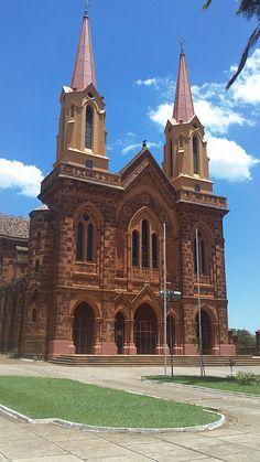 O Melhor de Uberaba: Igreja São Domingos, Minas Gerais, BRASIL                                                                                                                                                                                 Mais