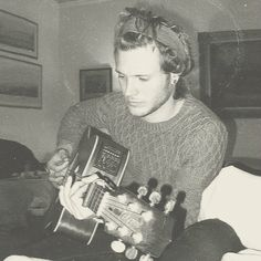 Dougie Poynter...he kinda reminds me of River Phoenix in this picture