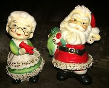 Lefton Santa Mrs Claus Salt  Pepper Shakers Christmas Gold Highlighted Vtg
