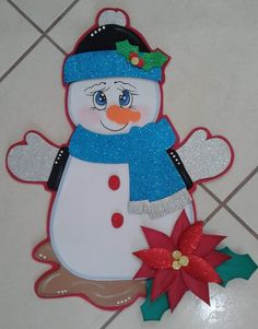 Foamy navidad Christmas Art, Christmas Decorations, Christmas Ornaments, Holiday Decor, Foam Crafts, Diy And Crafts, Theme Noel, Felt Patterns, Raggedy Ann