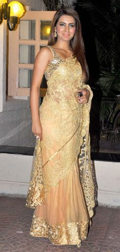 Beautiful: Actor @geeta_basra in gold net glitter #Saree at Ekta's Diwali party