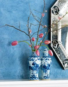 pink and blue, chinese blue/white urns, venetian mirror, pink flowers