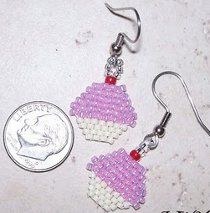These 3 Free Seed Bead Earring Patterns are perfect for the beader who wants a fun, fast project to stitch up in one sitting. Whip some earrings up as a last-minute gift for a friend or just as a treat for yourself.