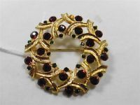 Lovely Eisenberg Ice Red Green Rhinestone Christmas Wreath Pin / Brooch