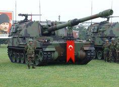 T-155 Fırtına Çeşidi : Kundağı Motorlu Obüs Uyruğu : Türkiye Hizmet : 2004- Kullanıldığı savaşlar : Güneş Harekâtı Üretim adedi : 150+ Ağırlık : 47 ton Uzunluk : 12 m Genişlik : 3.5 m Yükseklik : 3.43 m Mürettebat : 5 (Komutan, Sürücü, Nişancı, Nişancı Yrd. ve Doldurucu) Ana silahı : 155 mm L52 Diğer Silahları : 12.7 mm makineli tüfek Motor : MTU-881 KA 500 dizel 1000 hp Süspansiyon Donanımı : Hidropnömatik Harekat Menzili : 480 km Azami Hızı : 66 km/h
