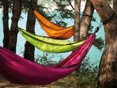 colorful garden accents - hammocks Gypsy Life, Colorful Garden, Vivid Colors, Backyard, Patio, Bohemian House, Bohemian Gypsy, Outdoor Furniture, Outdoor Decor