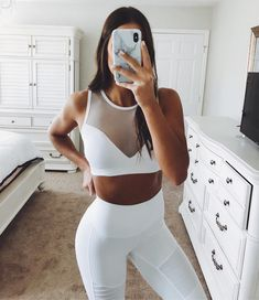 "GRACE WHITE on Instagram: ""Consistency ✨ is key 🔑. Results happen over time, not overnight. Find a reason to motivate yourself and hold yourself accountable! I'm…"" Sporty Outfits, Outfits For Teens, Cute Outfits, Gym Outfits, Fitness Photos, Fitness Goals, Fitness Life, Skinny Motivation, Sport Motivation"