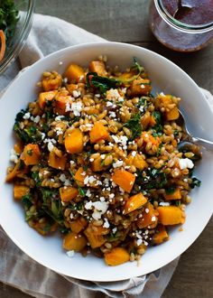 This warm Roasted Butternut Squash Winter Salad with Kale, Farro and Cranberry Dressing is a wholesome and comforting dish - perfect with Thanksgiving turkey, as a side for a delicious winter meal, or as a wholesome lunch on its own. Healthy Recipes, Vegetarian Recipes, Cooking Recipes, Farro Recipes, Game Recipes, Skillet Recipes, Cooking Tools, Lunch Recipes, Cranberry Dressing Recipes