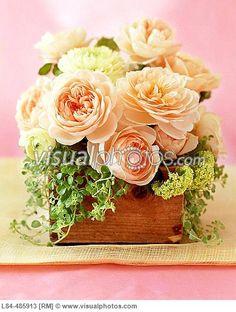 Flowere arrangement in wooden box Plan My Wedding, Our Wedding, Dream Wedding, Wedding Things, Fall Wedding, Wedding Stuff, Ikebana Flower Arrangement, Floral Arrangements, Flower Centerpieces