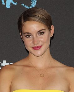 Shailene Woodley's Pretty Pink Lips & Glowing Skin At 'Fault In Our Stars' Premiere