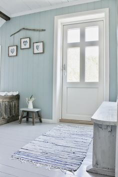 Mias Interiør / New Room Interior / Interiørkonsulent Maria Rasmussen: Endelig! Painted Wood Floors, Painting Wood Paneling, Home Renovation, Wood Paneling Makeover, Swedish Cottage, White Cottage, Sala Grande, Le Jolie, Cozy Bedroom