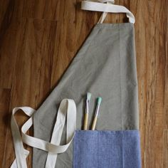 adjustable full apron for women or men, suitable for cooks, artists, gardeners or anyone who gets messy!