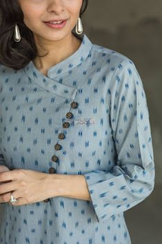 Different types of necklines to try in your Kurtis.Kurta Neck Design for Kurti neck designs.Trendy neck patterns to try in Simple Kurta Designs, New Kurti Designs, Stylish Dress Designs, Kurta Designs Women, Kurti Designs Party Wear, Stylish Kurtis Design, Plain Kurti Designs, Stylish Dresses, Neck Designs For Suits