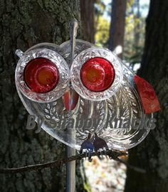 Whimsical Repurposed Owl by ShabbyKnacks on Etsy (With images) Glass Garden Flowers, Glass Plate Flowers, Glass Garden Art, Flower Plates, Art Flowers, Flower Art, Garden Owl, Garden Whimsy, Garden Deco