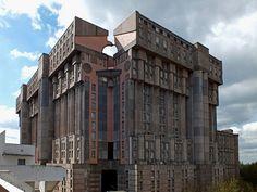 Les Espaces D'Abraxas - Postmodern France (Social Housing Scheme) Ricardo Bofill (Arquitectura) 1978-83