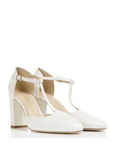 ff2bc5f619e 22 meilleures images du tableau chaussures Salomé