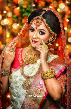 Pin by women's fashion on bridal makeup in 2019 Indian Wedding Poses, Indian Bridal Photos, Indian Bridal Outfits, Bride Indian, Bengali Bride, Indian Wedding Couple Photography, Bride Photography, Book Photography, Fashion Photography