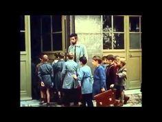 O Balão Vermelho | Le Balon Rouge Albert Lamorisse França, 1956 Curta-metragem, Ficção, 34' Sinopse – Paris, anos 50. Pascal (Pascal Lamorisse), um menino, encontra um grande balão vermelho atado a um poste de luz, decide desamarrá-lo e levá-lo consigo. Então, num longo passeio pelas ruas da cidade, o garoto desenvolve uma forte ligação com o balão.