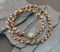 Mariposas Schatzkiste: Spirale...ohooo, Spirale...ohohohooo.... Diy Jewelry, Beaded Jewelry, Jewelery, Beaded Bracelets, Beading Tutorials, Beading Patterns, Candy Necklaces, Mexican Jewelry, Bead Art