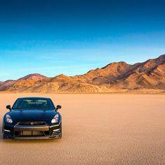 Deserted Nissan GTR Awesome!
