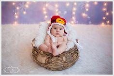 Sedinte foto nou-nascuti profesionale realizate in studio foto, acasa sau afara cu studio foto mobil.